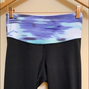 OLD NAVY CAPRI work out leggings black and multi